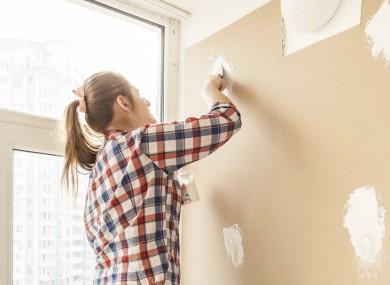 Stucco pronto per pareti, meglio in pasta o in polvere?