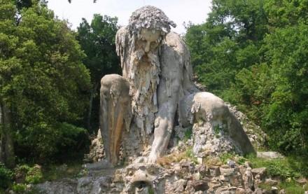 Il colosso del Gianbologna