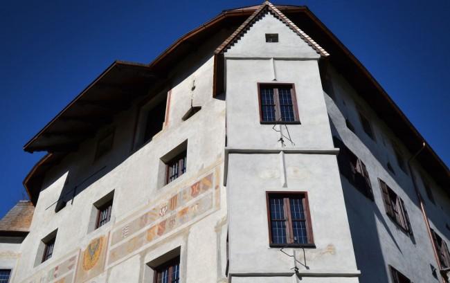Costruzione del '400 in stile tardo-gotico