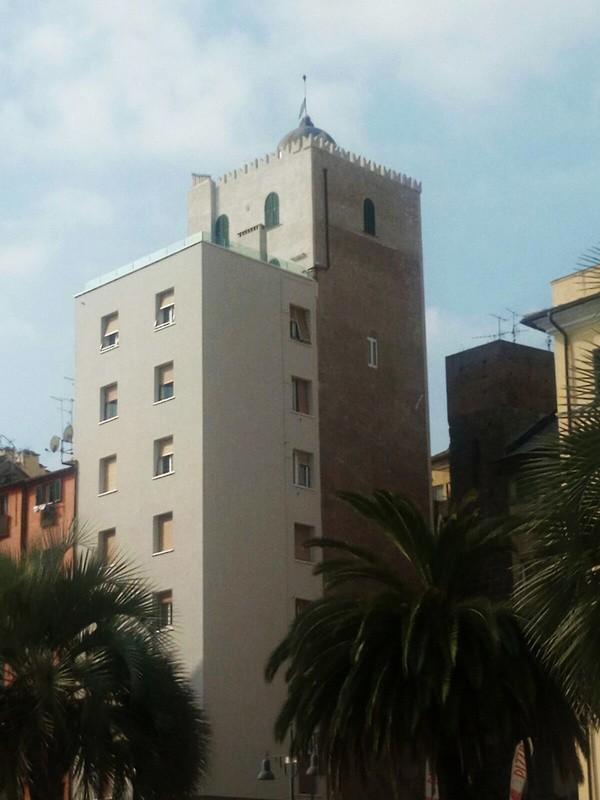 Torre ghibellina di piazza Salineri