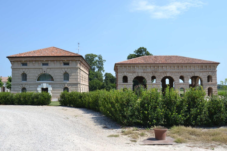 Ville e residenze Corte Spinosa a Porto Mantovano 6